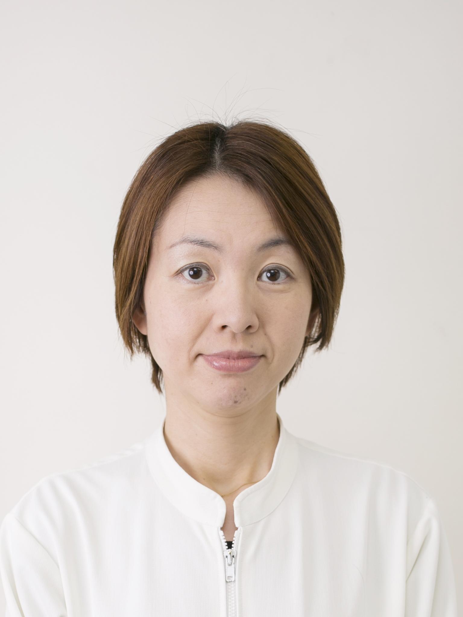 岡島 明子